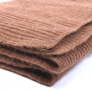 Вязаный шарф из верблюжьей шерсти