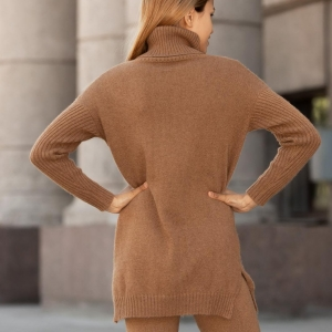 Длинный свитер женский из верблюжьей шерсти