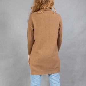 Длинный вязаный свитер женский