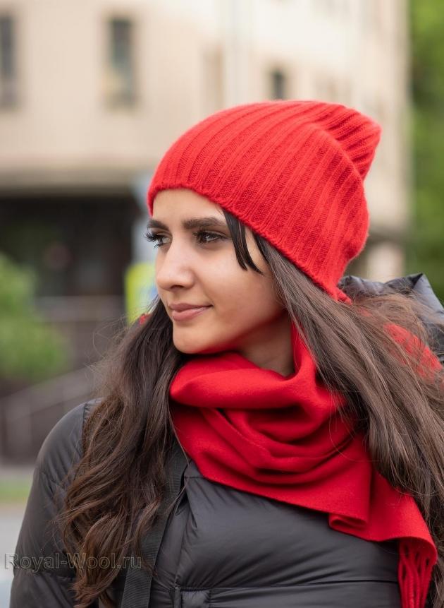 Красная кашемировая шапка