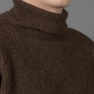Мужской толстый шерстяной свитер