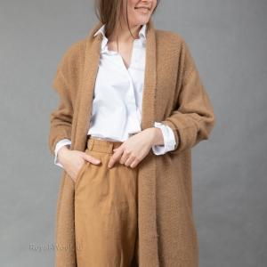 Пальто трикотажное из верблюжьей шерсти