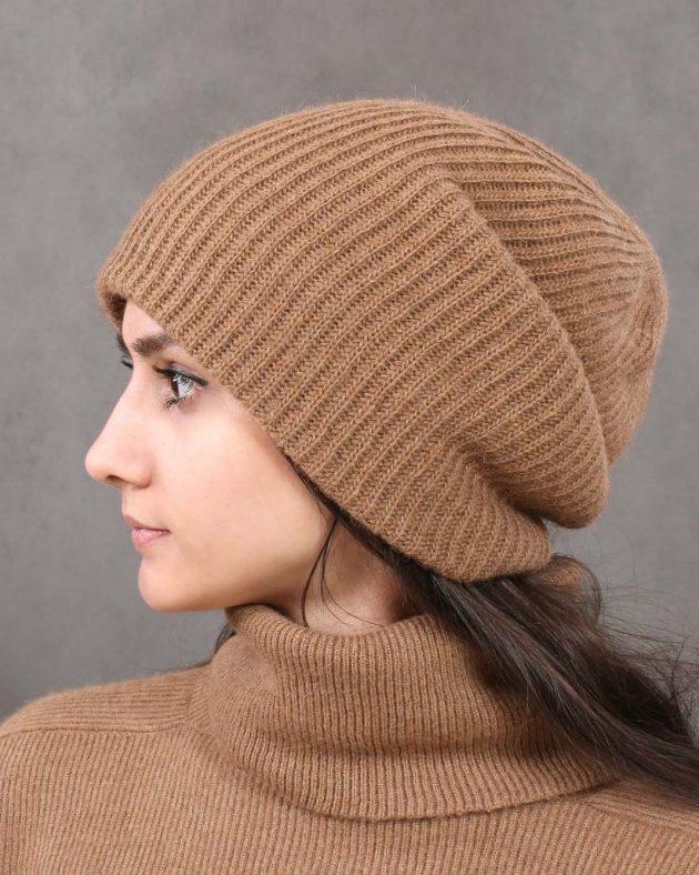 шапка из верблюжьей шерсти с отворотом