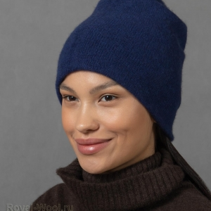 Синяя шапка из кашемира