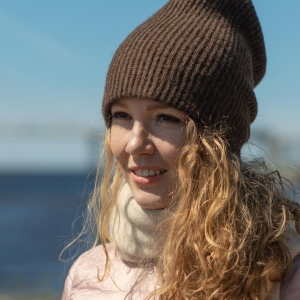 Теплая шапка на зиму шерсть ягнят