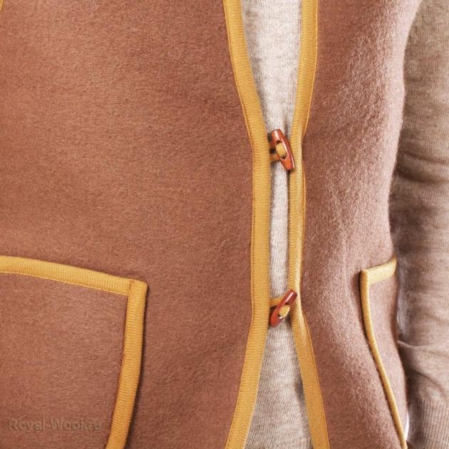 жилет из верблюжьей шерсти тканый