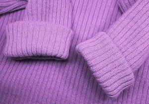 Севший шерстяной свитер