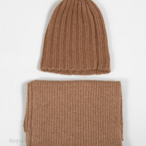 Комплект шарф шапка с помпоном из верблюжки фото1